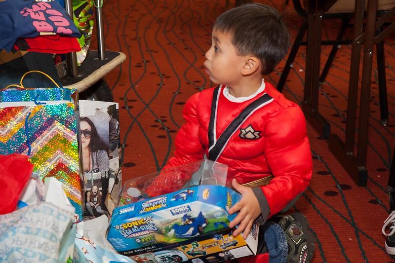 Brendon 4th Birthday October 26, 2013 0097.JPG
