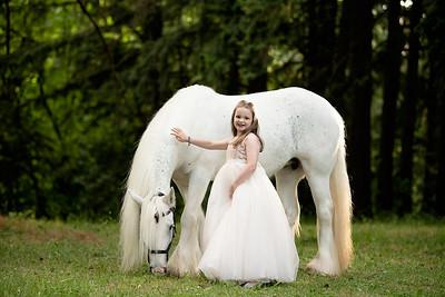 Andrea Tomlin Unicorn 2021