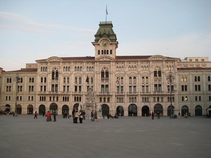 plaza_5.jpg
