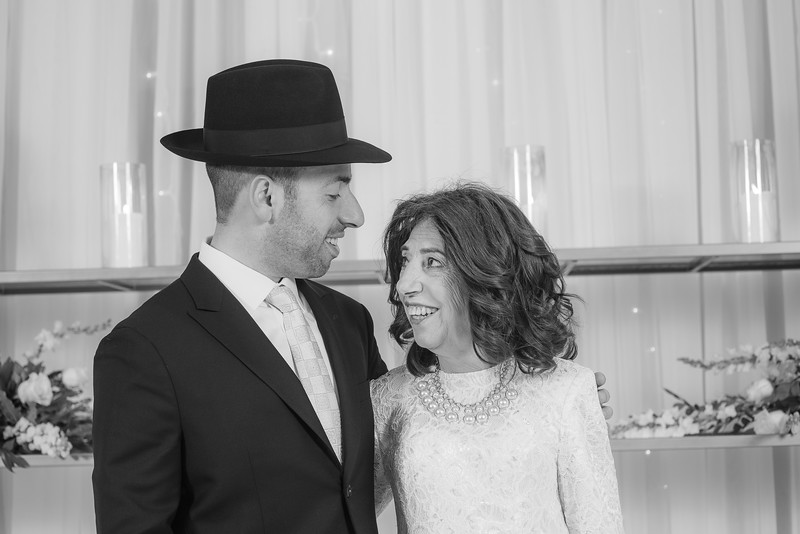 Miri_Chayim_Wedding_BW-110.jpg