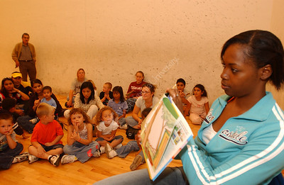 23790 READ ALOUD PLAYERS WITH KIDS