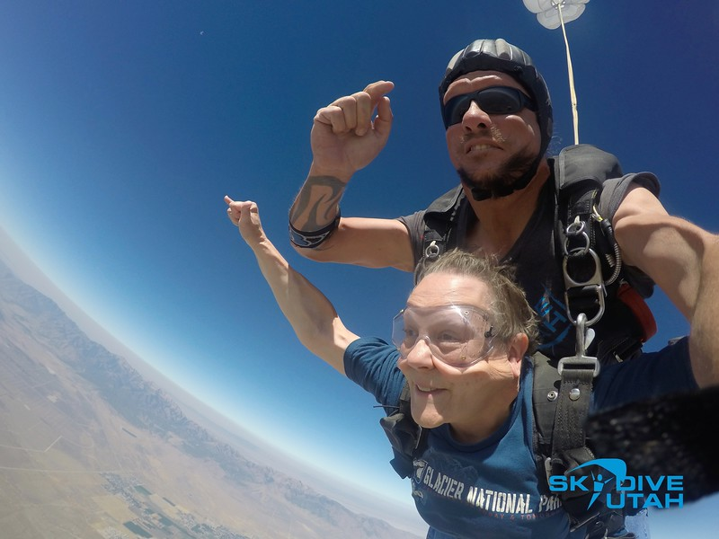 Lisa Ferguson at Skydive Utah - 40.jpg