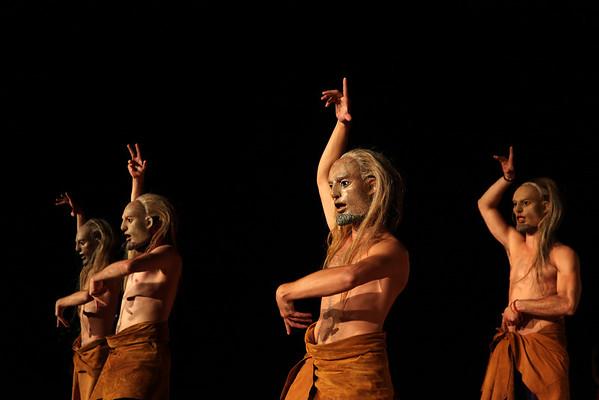 """""""Κρήτες"""" του Ευριπίδη. Σκηνοθεσία: Γιώργος Ζαμπουλάκης, Φεστιβάλ Αθηνών 2011"""