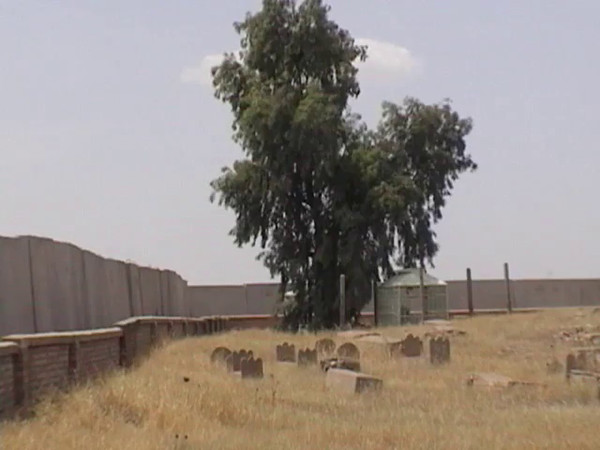 the graveyard & mosque.wmv
