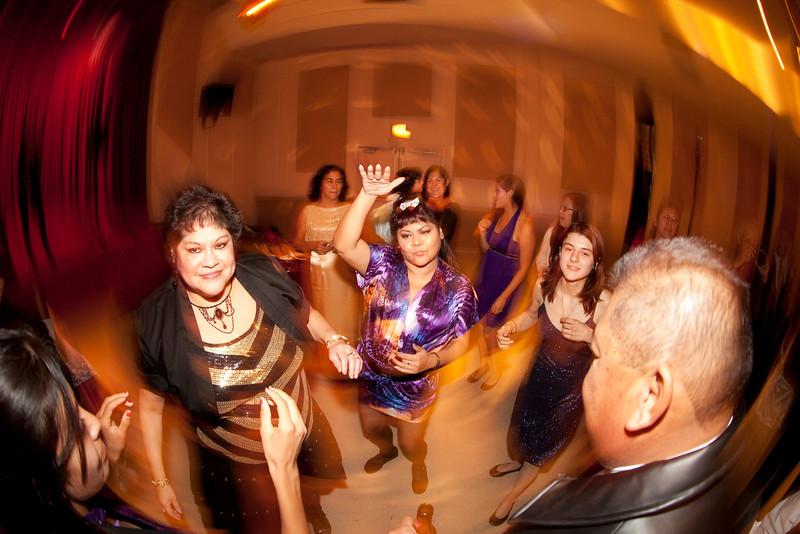 2011-11-11-Servante-Wedding-769.JPG