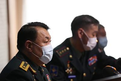 Хугацаат цэргийн алба хаагч харамсалтайгаар амь насаа алдсантай холбогдуулан Зэвсэгт хүчний жанжин штабын удирдлагууд мэдээлэл хийлээ