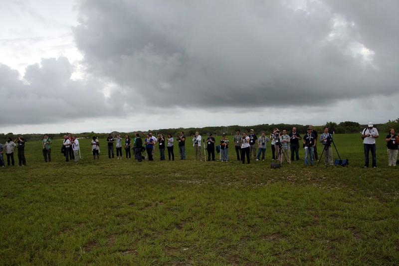 Tweeps photograph Space Shuttle Atlantis on Launch Pad 39-A