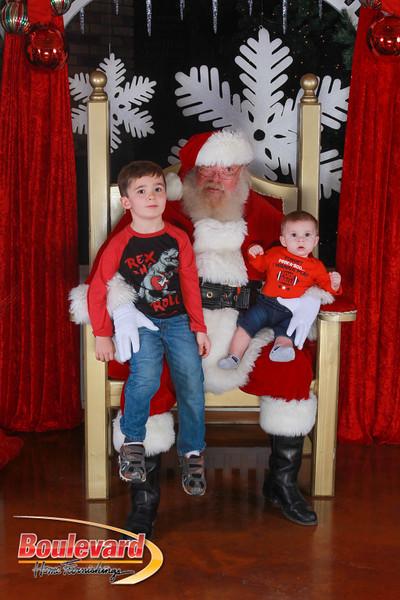 Santa 12-17-16-384.jpg