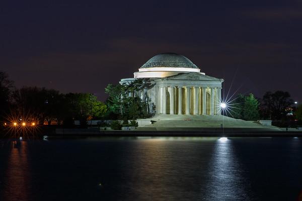 Thomas Jefferson Memorial as dawn is breaking