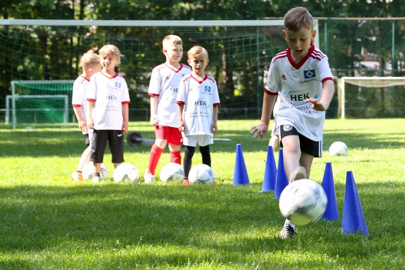 hsv_fussballschule-151_48047946426_o.jpg
