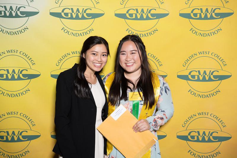 Scholarships-Awards-2019-0611.jpg