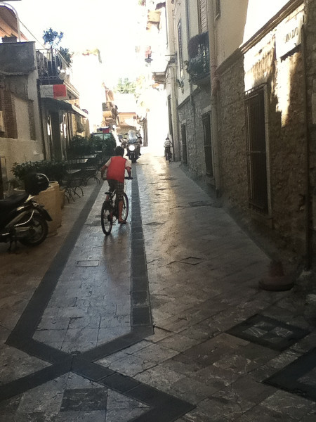 20110812-Ginka-Sicily-20110812--IMG_1094--0223.jpg