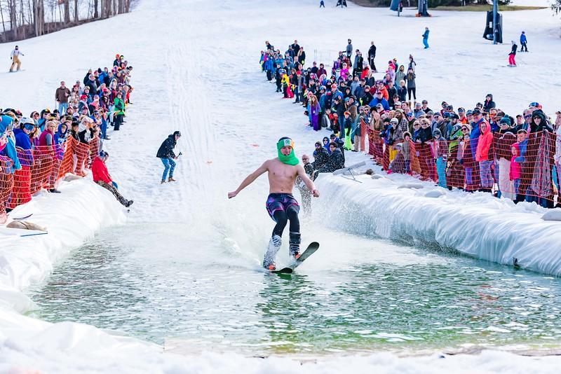 Carnival-Sunday-57th-2018_Snow-Trails-8022.jpg