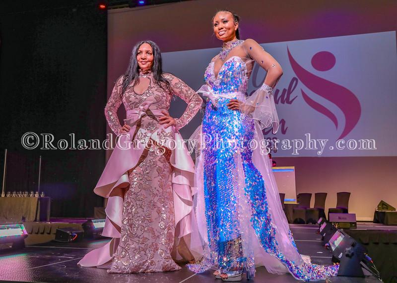 100 Womens Fashion show2019-3469.jpg