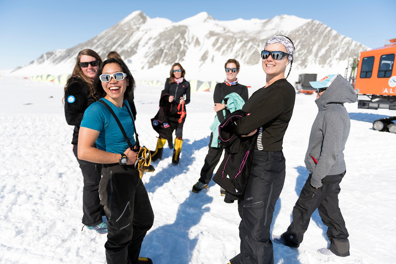 Climb Antarctica Women -1-11-18098975.jpg