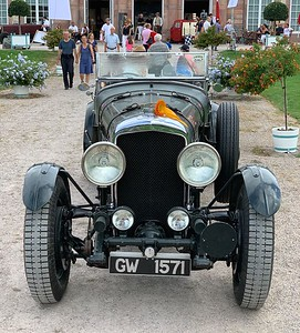 8 Litre Bentley YX5116