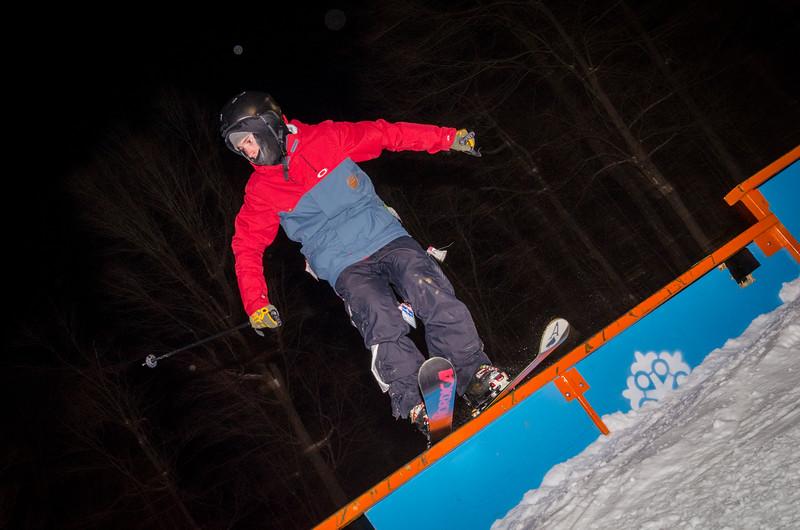 Nighttime-Rail-Jam_Snow-Trails-78.jpg