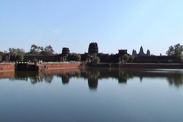 Angkor Wat (December 19, 2004)