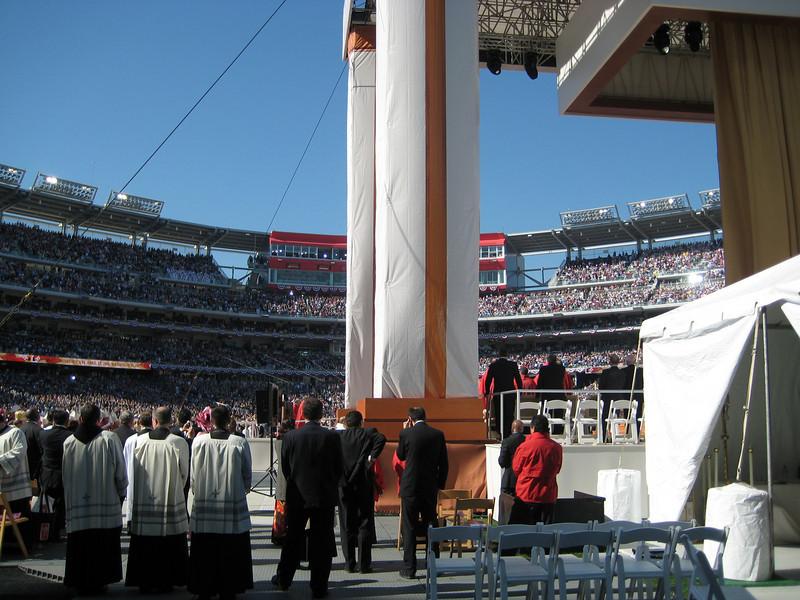 Pope Mass Nats Stadium 4-17-08 065.jpg
