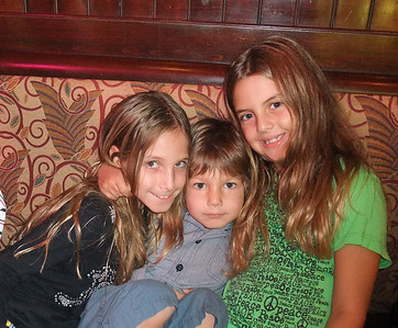 2009-09-12 - Dinner with the Brady's