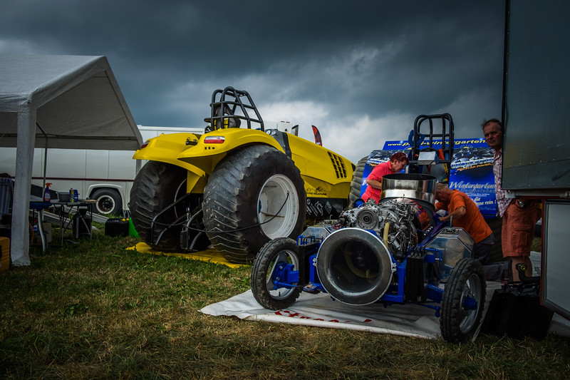Tractor Pulling 2015 XE2-2466.jpg