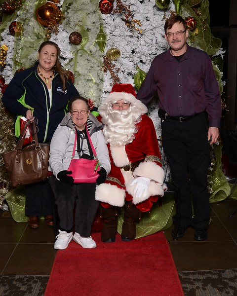 20161224_MoPoSo_Tacoma_Photobooth_LifeCenter_Santa-93.jpg