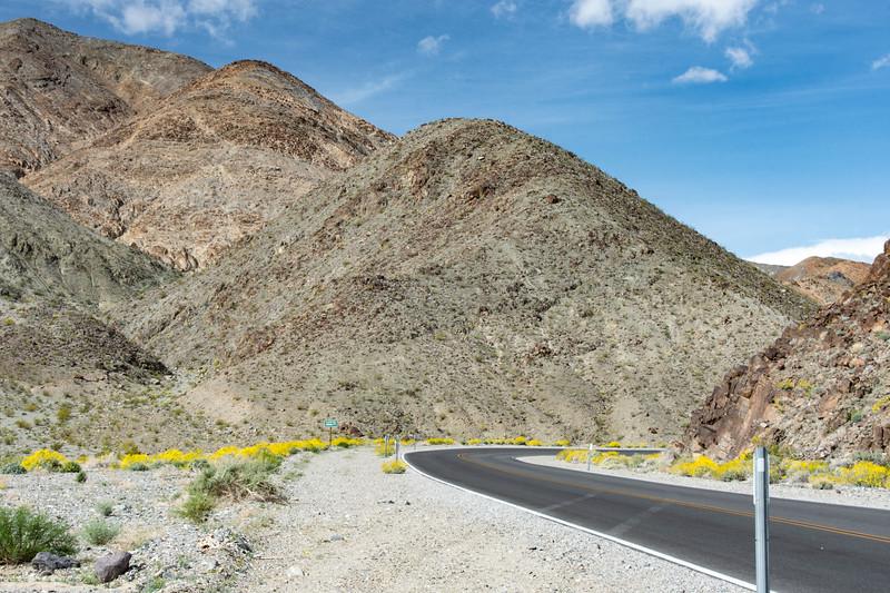 Death-Valley-2000feet-western-exit-April9-2017.jpg