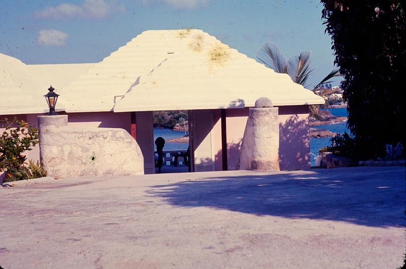 1977 05 Bermuda 4.jpg