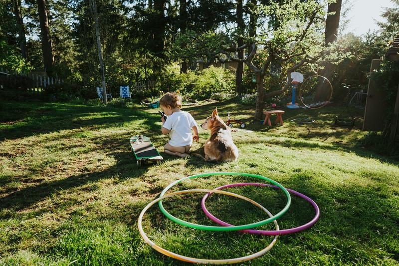 AprilAfternoon-backyard-5.jpg