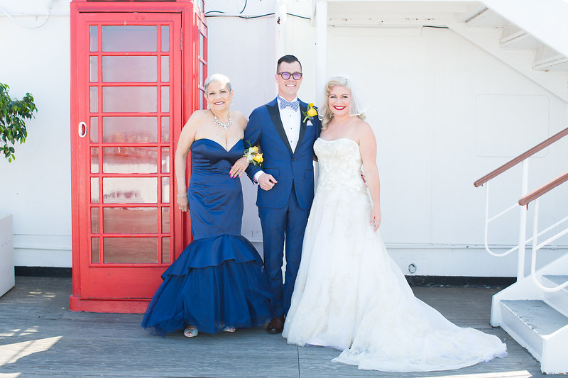 Family and Wedding Party Portraits (1 of 75).jpg