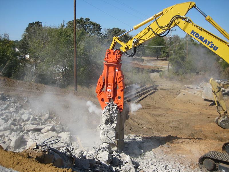 NPK M38G concrete pulverizer on Komatsu excavator-concrete recycling (8).jpg
