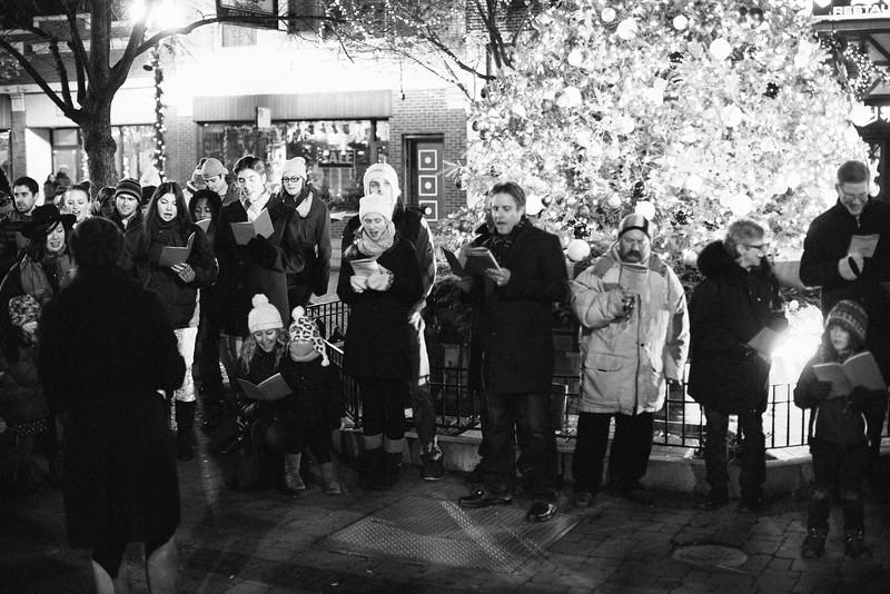 MD Lincoln Square Caroling Soirre 2014-22.jpg