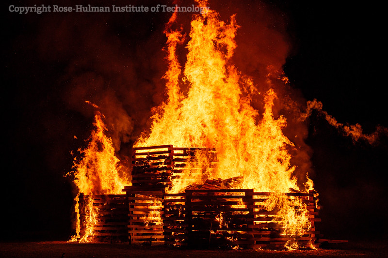 RHIT_Homecoming_2019_Bonfire-7338.jpg