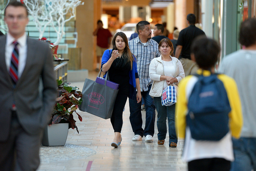 . Shoppers at the Westfield Topanga, Thursday, December 26, 2013. (Photo by Michael Owen Baker/L.A. Daily News)