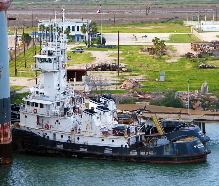 twolargetugnboats.jpg