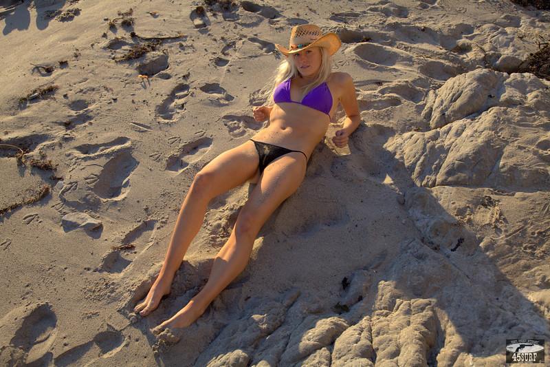 45surf bikini swimsuit model hot pretty swimsuit models hot hot 255,.klkl,..jpg