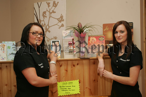 Shauna Cahill and Claire Sloan from Pampered Belle. 07W35N14