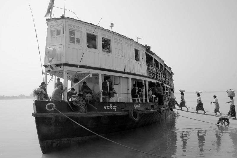 myanmar river boat.JPG
