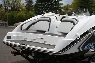 #Y182 Yamaha AR240