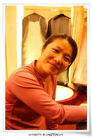 20091220 試穿伴娘禮服
