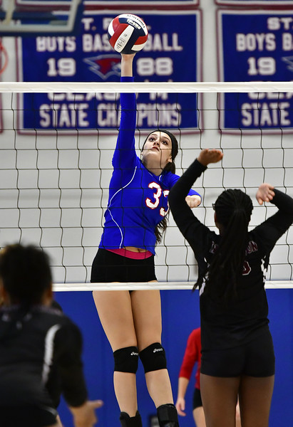 10/24/2018 Mike Orazzi   Staff St. Paul's Kelsi Blatchley (33) during volleyball Wednesday with Innovation in Bristol.