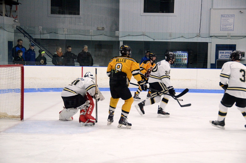 150103 Jr. Bruins vs. Providence Capitals-032.JPG