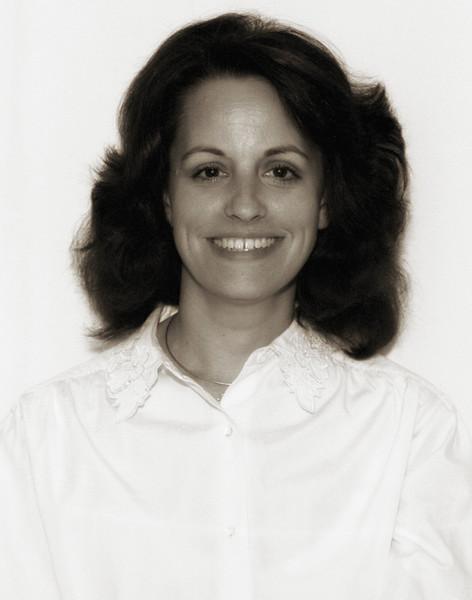 1990-12 Susan Passport.jpg