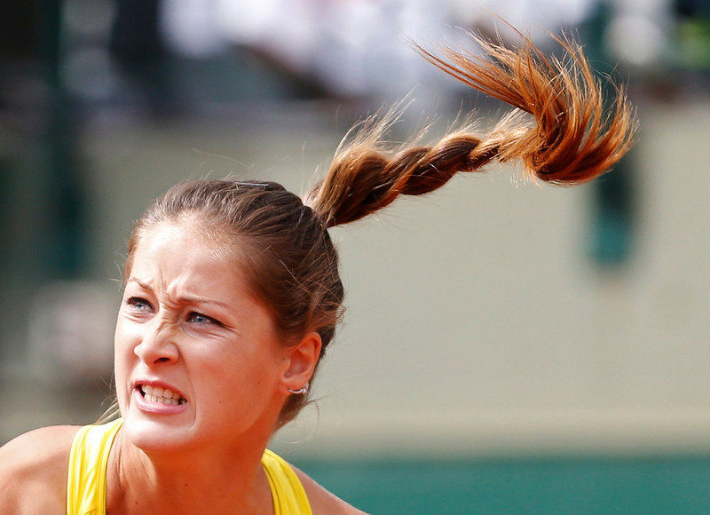 . Bojana Jovanovski of Serbia plays Caroline Wozniacki of Denmark in their women\'s singles match during the French Open tennis tournament at the Roland Garros stadium in Paris May 29, 2013.   REUTERS/Vincent Kessler