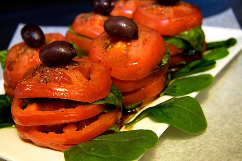 caprese-salad-tower_3376759704_o.jpg