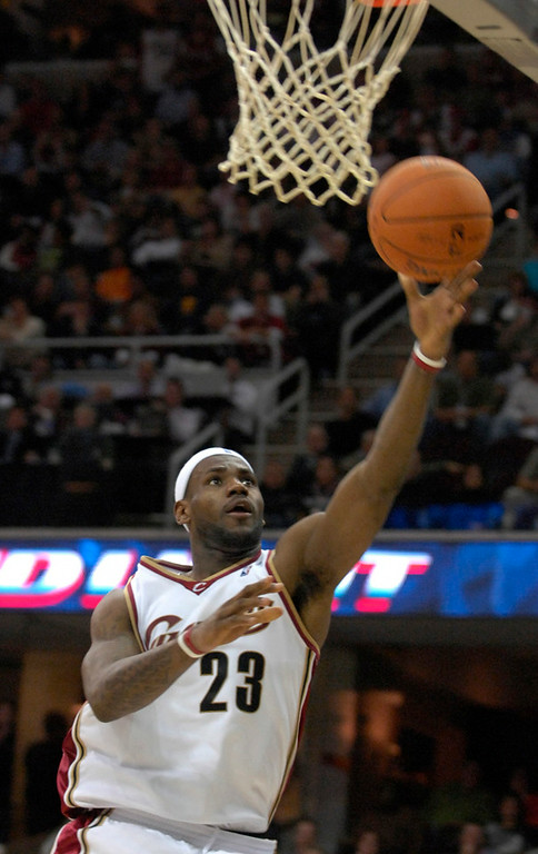 . Lebron James goes up for a shot in the second period of Wednesday season opener against the Wizards.