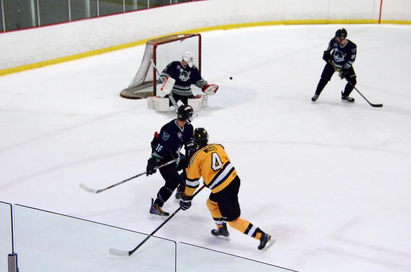 150907 Jr. Bruins vs. Whalers-161.JPG