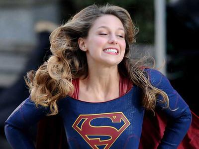 Supergirl 🤜