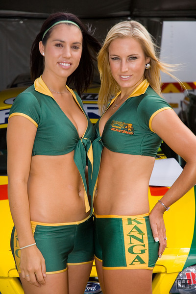 The Kanga Loaders Racing Girls