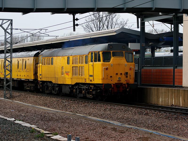 31233 pushes a Network Rail test train through Nuneaton on the 15th April 2008